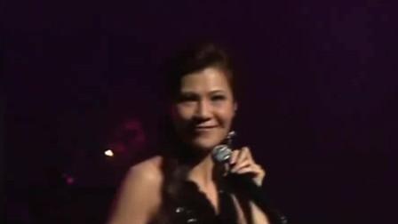 雷安娜演唱《酒红色的心》,经典粤语老歌,好听极了!