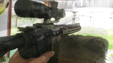 AR-15突击步枪,弹匣压弹十发,靶场射击评测