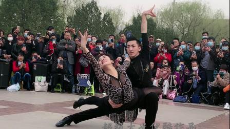小王子果果带姐姐来唐山巡演,登场表扬超美的慢四造型!