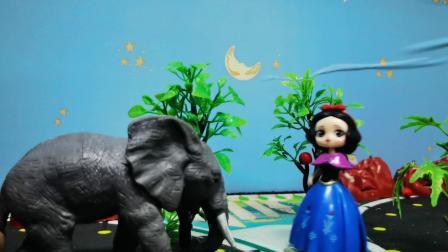 奥特之父拯救白雪公主,却被奥特之母阻止