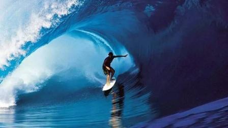 沙雕行为大赏,玩冲浪,冲着冲着人没了
