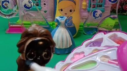 趣味童年:贝儿真是太坏了,又在坑白雪