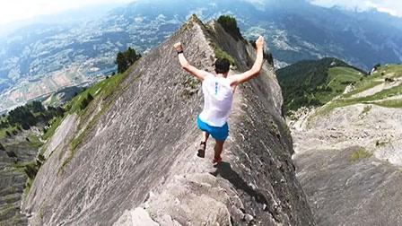 地球最强跑者山脊狂飙!惊险越野步步惊心,K天王的日常训练