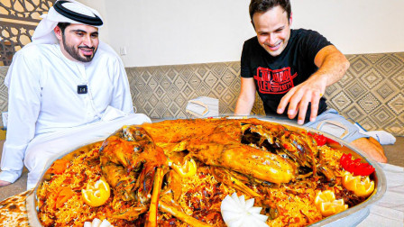 吃货老外独享迪拜烤全羊大拼盘,烹饪过程令人惊叹!大宴会才敢这么吃,太土豪了!