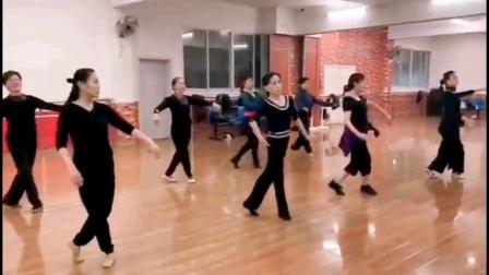 杨家伦老师,蒙古舞课堂!
