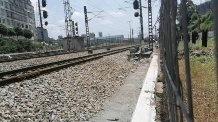 (7.15摄)K635次列车减速即将进入怀化站,本务昆局昆段HXD3D0623