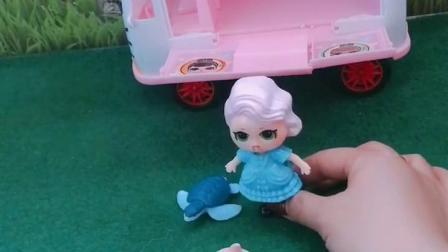童年趣事:娃娃说什么呢玩具