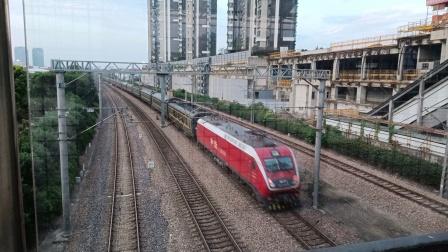 T25次(上海南——南宁)莘庄站1道通过,去春申方向