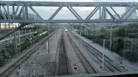 S1626次(金山卫——上海南)莘庄站2道通过