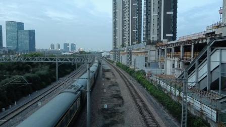 K79次(上海南——昆明)莘庄站1道通过