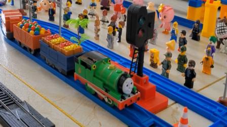 趣味益智轨道玩具车 托马斯小火车和它的朋友们