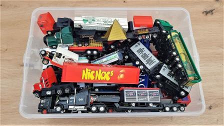 满盒各种型号的卡车玩具展示