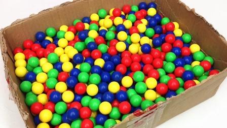 破纸箱装满了彩色珠珠和奥特曼变形蛋 迪迦奥特曼 奥特之王