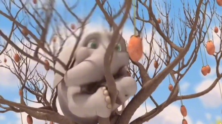 一只象为了吃到树上的果实用尽了各种办法!