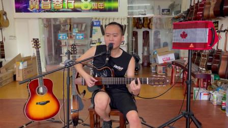 叶老师试弹评测《Yamaha静音古典VS民谣吉他》吉他看起来简单,好听