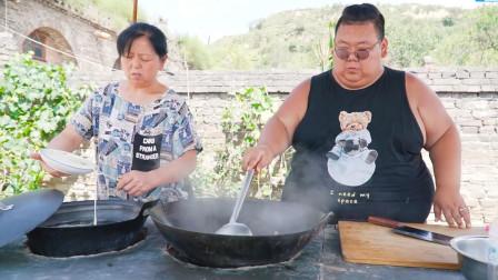 55岁老妈做地方面食山西贴尖,400斤小胖连吃2碗,口感爽滑易消化