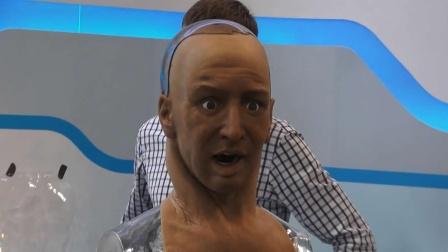 能感知疼痛的机器人,碰疼了表情很痛苦