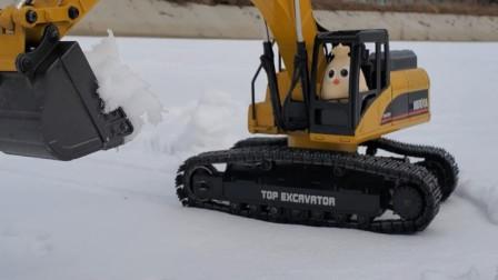 创意玩具 愤怒的小鸟开挖掘机在户外工作