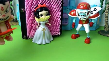 赛拉斯玩具:贝尔公主出门遛个弯,就遇上了橄榄球僵尸