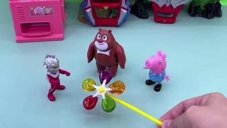 搞笑玩具:奥特曼爸爸被打倒了,小奥特曼怎么办呢