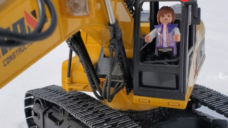 趣味益智玩具 公仔人玩具开挖掘机户外模拟挖雪
