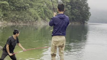 第一竿就中大鱼运气爆棚,野钓这样的神仙环境悠哉悠哉