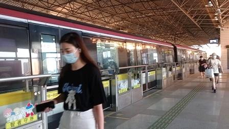 上海地铁3号线黄鱼江湾镇出站(终点站江杨北路)