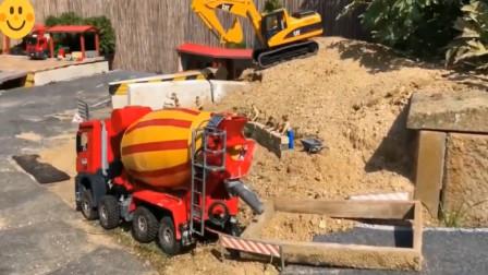 亲子益智早教玩具 展示挖掘机 坦克 推土机性能