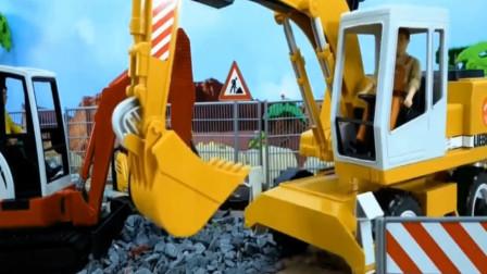 翻斗车配合挖掘机挖石头,创意儿童玩具。