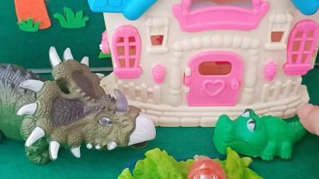 童年趣事:鳄鱼爸爸被欺负了