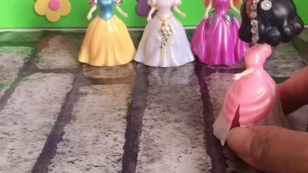 童年趣事:那位公主是坏人呢,告诉我吧