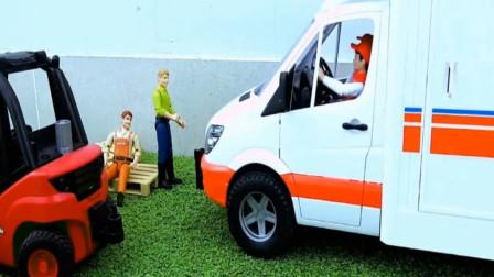 农场有工人受伤了,救护车紧急出动?