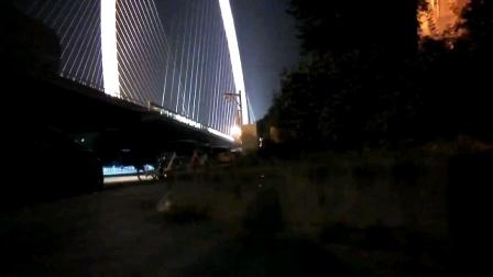 兽三无人机夜晚实拍。