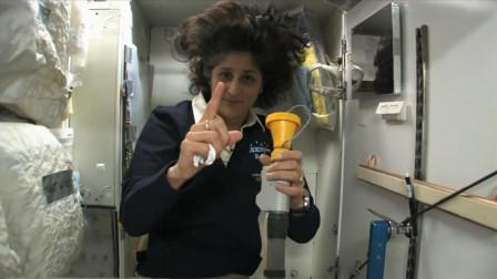 纪录片:宇航员在空间站着急上厕所怎么办,需要依靠一根吸管