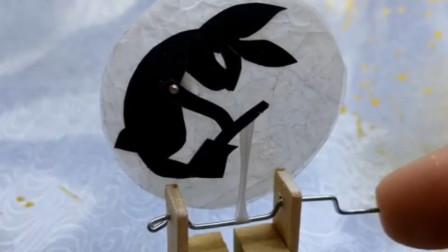月兔来了,几块木头构思巧妙,这是中秋节的最酷礼物