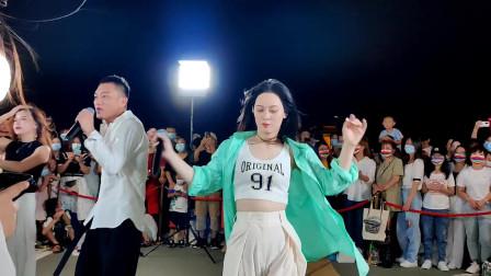 唐艺翻唱一首网络红歌《要爱你就来》唱的真心好听!
