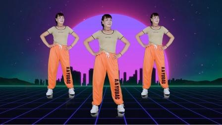 50岁阿姨跳广场舞《中国红》动作优美,大气豪迈