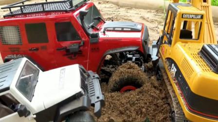 越野车陷入泥潭,各种工程车敢来救援?