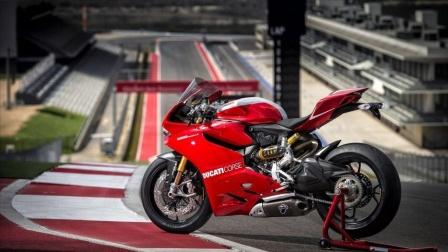 骑摩托,脚启动摩托