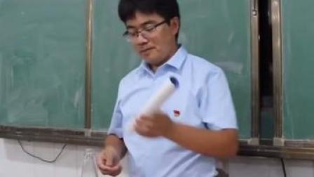 他说虽然没成为科学家,但在努力培养未来的科学家👍#物理老师