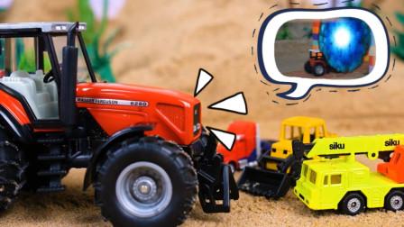 儿童玩具车:工程车们进入神秘大门会发生什么呢?