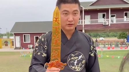 传统民间艺术:这宝剑用掉了好多糖!