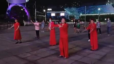 北方潇洒姐妹广场舞《蓝色天梦》
