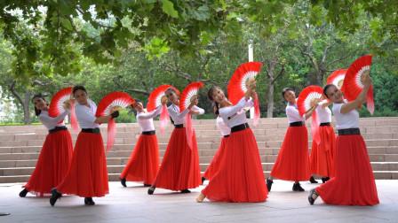 广场舞《珊瑚颂》动作简单易学,跟着节奏跳起来
