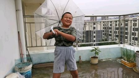 2021.9.25二胖在北阳台雨中浪漫