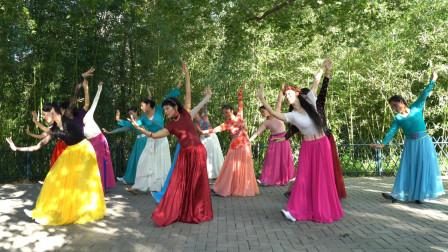 紫竹院广场舞《次真拉姆》团队版,歌美舞美人更美