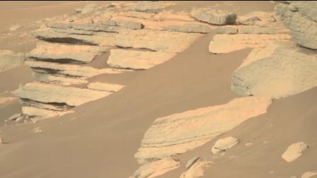 沙丘与岩石,大家好,这里是火星表面