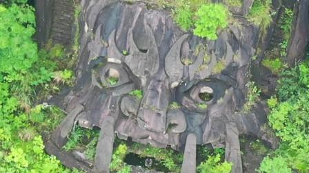 """重庆丰都""""巨型摩崖石刻"""",你们见过吗?高就有138米,可惜已经荒废了"""