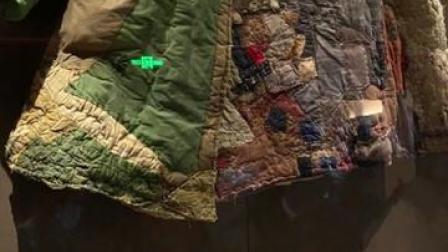 """不一样的军功章!1件有296块补丁的军大衣,缝出了奉献边疆的""""胡杨精神""""❤️"""