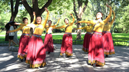 紫竹院魅力朵朵广场舞《有缘人》